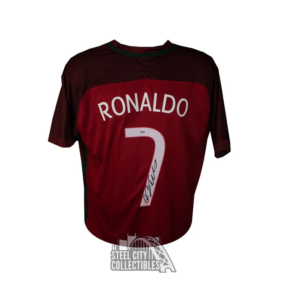 separation shoes 25ded 098b9 Cristiano Ronaldo Autographed Nike Red Portugal Jersey - PSA/DNA
