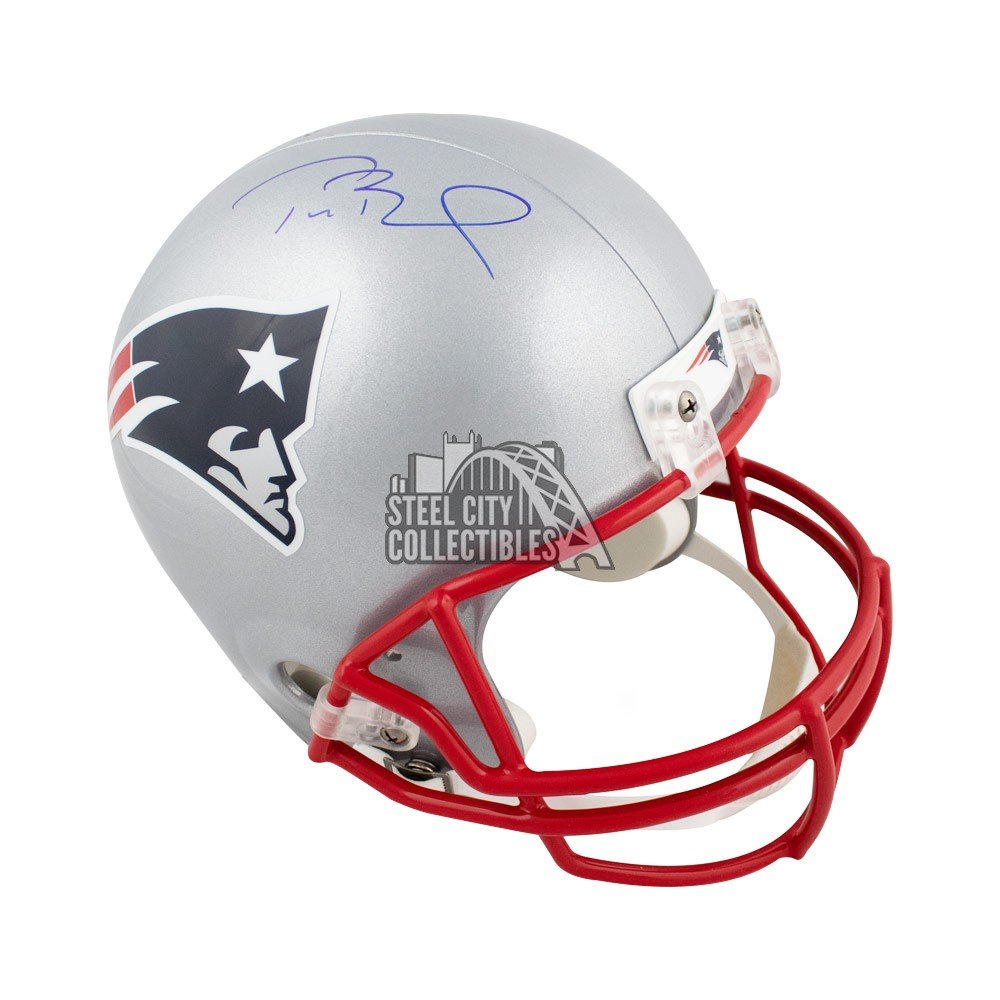 sports shoes c4623 be33a Tom Brady Autographed New England Patriots Full-Size Football Helmet -  Tristar