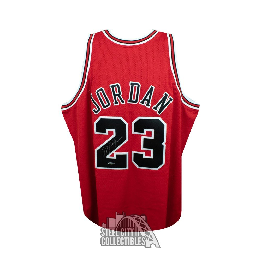 reputable site 7f677 71b24 Michael Jordan Autographed Chicago Bulls Mitchell & Ness